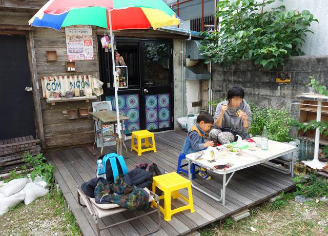那覇壺屋ベトナム料理コムゴンのテラス席