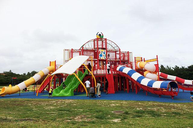 【新しい大型遊具】沖縄県総合運動公園の新しい遊具が楽しすぎる!