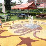 沖縄・牧港「A&W」で水遊び!噴水プールがあるよ♪子連れに絶対おすすめ!