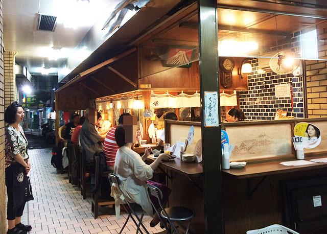 【昼飲み】那覇・松尾の公設市場近く「パーラー小やじ」安くて美味い!い〜やんべ〜です