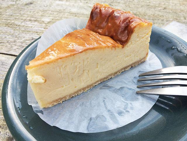 北谷ジバゴコーヒーのチーズケーキ