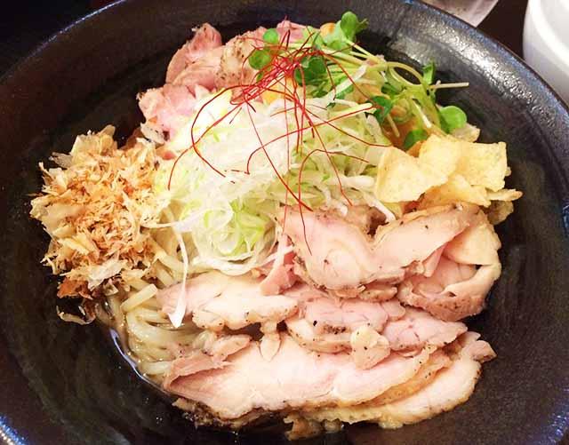 読谷・喜納「シロサキ」で限定麺!節系肉油そばを食べた