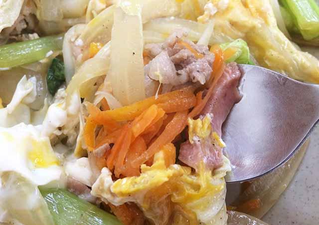 沖縄ちゃんぽんの野菜と肉