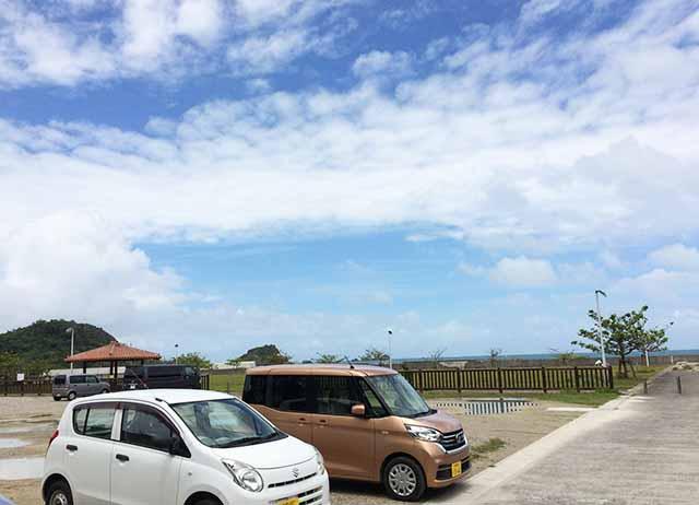 浜比嘉島のシルミチューの駐車場