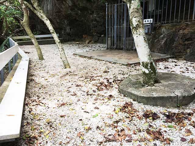 シルミチューのベンチ
