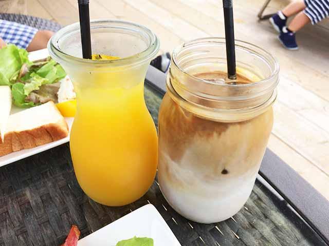 泡瀬のBB-Coffee(ビービーコーヒー)のカフェラテとマンゴージュース