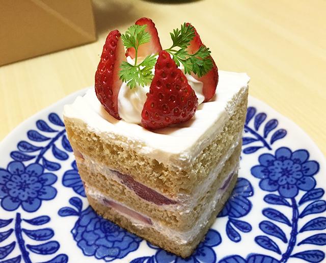 読谷村のケーキ屋さん『joie joie 326(ジョワジョワ326)』で素材にこだわったケーキをテイクアウトしてきた