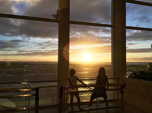 那覇空港の新国際線ターミナルビルを子供達と探索♪レストラン充実してます!無印良品やマクドナルドもあるよ