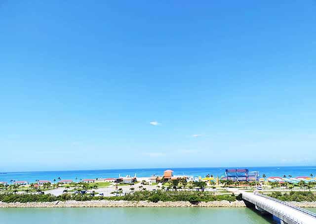 rimo沖縄のジェラートから見える美さんビーチ公園
